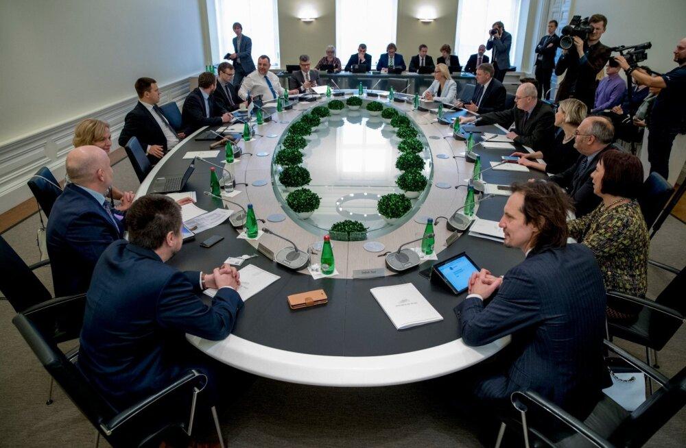 Saarlased on edukaimalt ministrikohti saanud