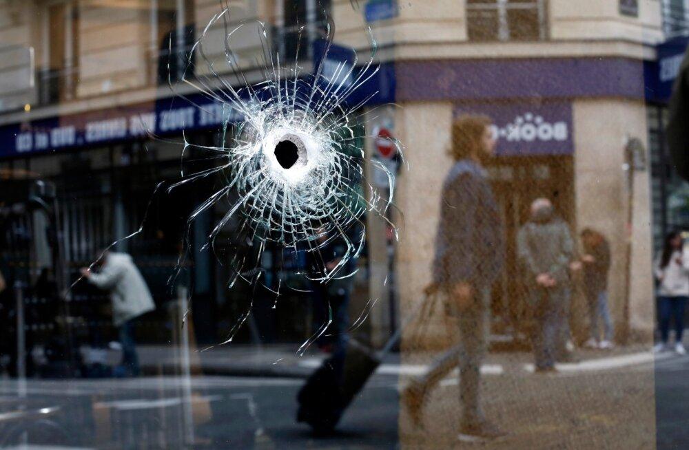 Kuuliauk Pariisi kesklinna piirkonnas, kus politsei üleeile väidetava terroristi maha lasi.