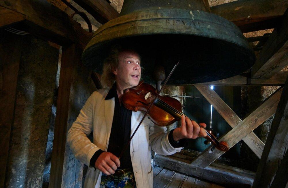 Tänu muusikale on Andres Mustonen alati ümbritsetud omamoodi valgustatuse ja vaimse auraga.