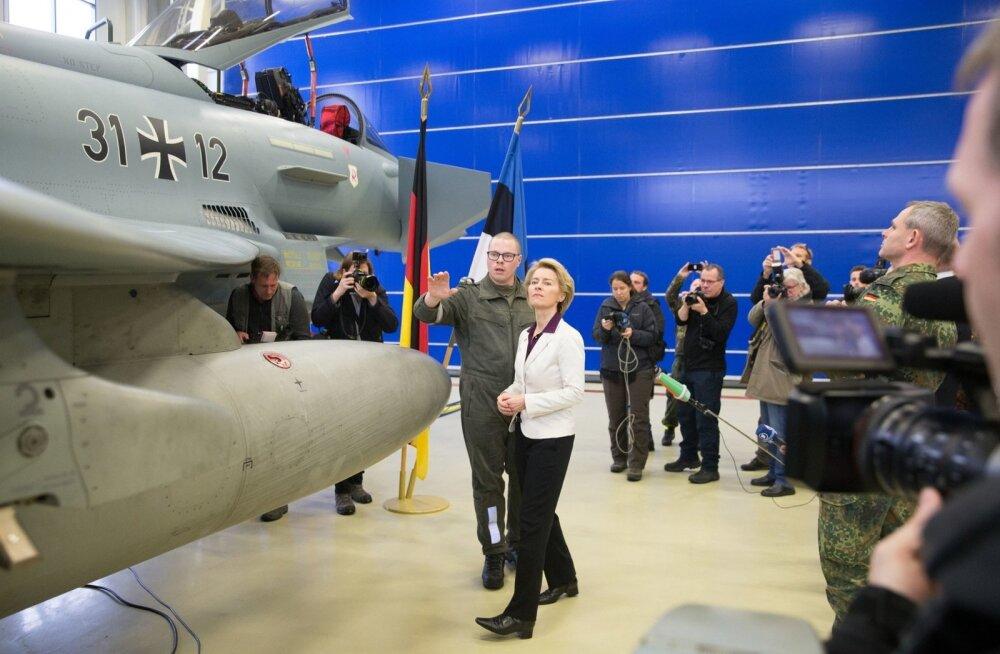 Saksamaa kaitseminister Ursula von der Leyen külastas eile Ämaris Balti õhuturbemissioonil teenivaid Saksa õhuväelasi.