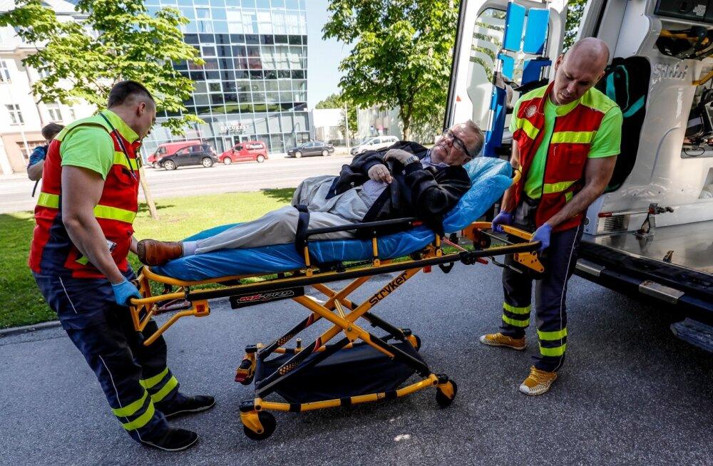 Edgar Savisaar viidi haiglasse