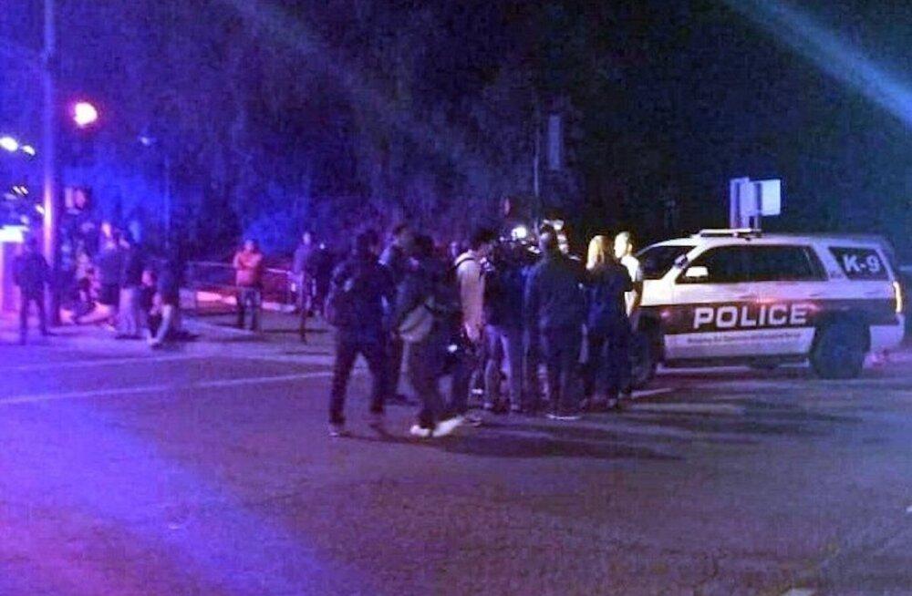В результате стрельбы в пригороде Лос-Анджелеса погибли 11 человек