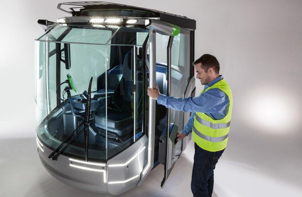 Tuleviku kabiinis istub traktorist massaažitoolis, masin sõidab ja droon lendab kaasa