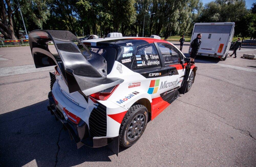 Tänaku Toyota Yaris WRC lauluväljakul