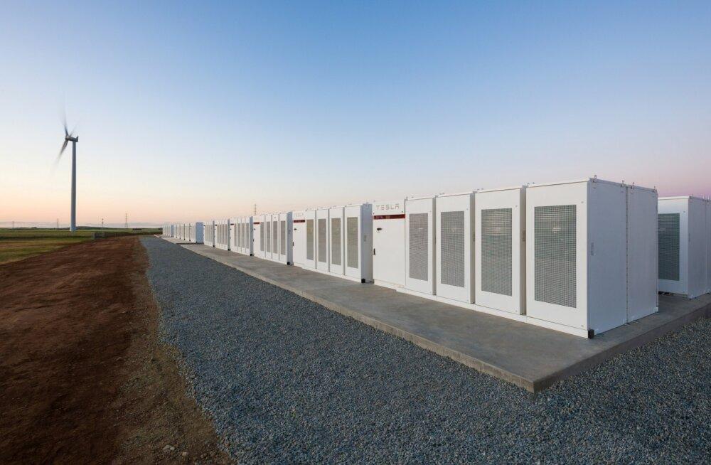 Tesla ehitas 100 päevaga maailma suurima liitiumioonaku