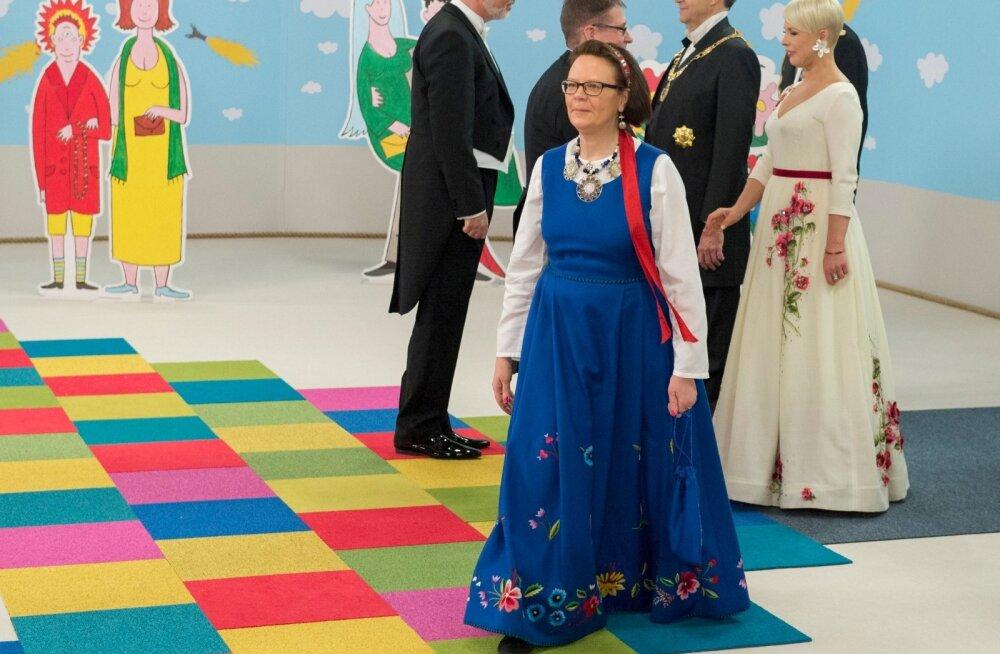 Soome Vabariigi suursaadik Kirsti Johanna Narinen Eesti Vabariigi 97. sünnipäeva vastuvõtul aastal 2015.