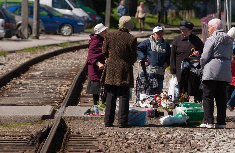 turg raudteel