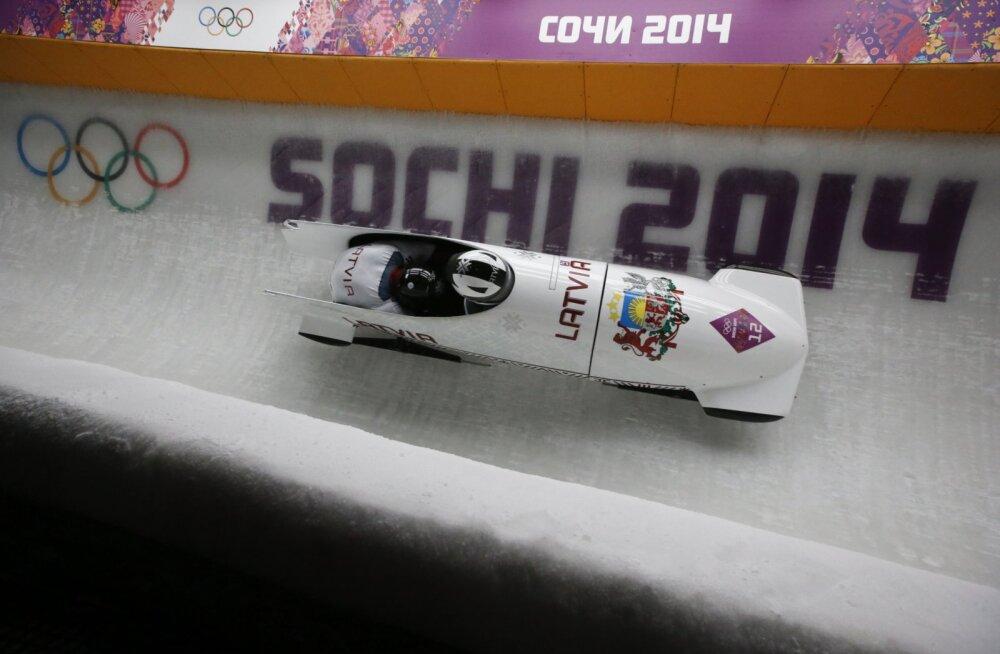 Venelaste karistamine tõstab Läti bobipaari Sotši olümpial viiendalt kohalt medalile