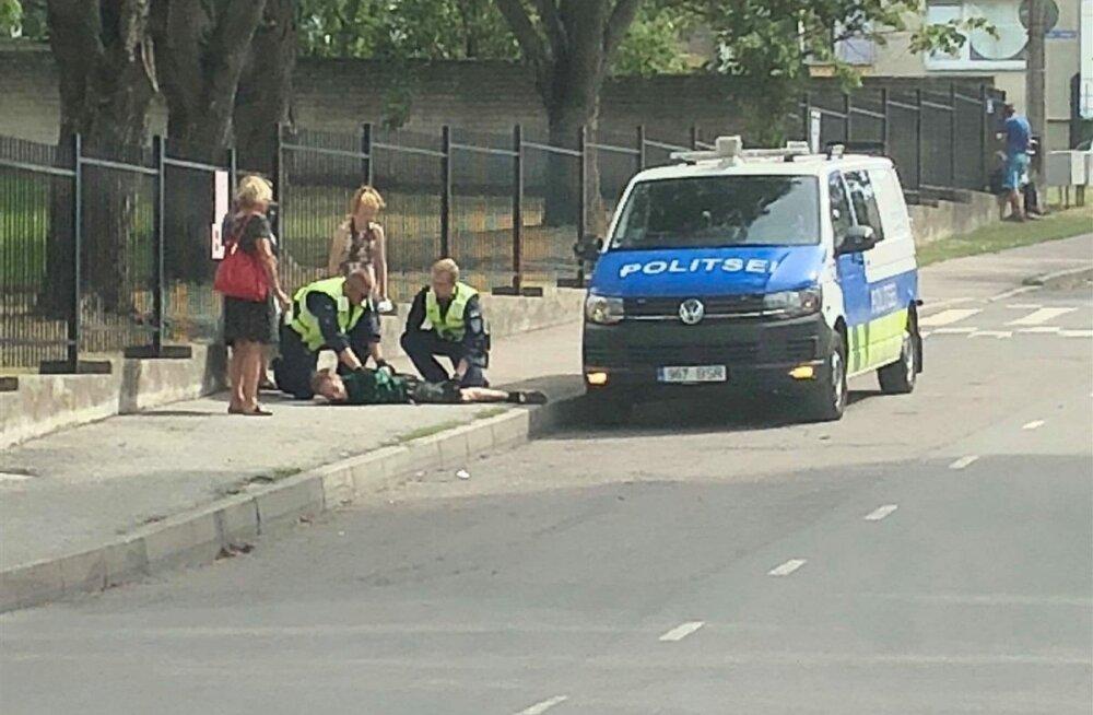 ФОТО: В Таллинне во время задержания умер пробравшийся на территорию детсада мужчина