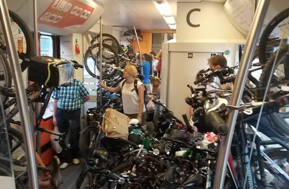 REPLIIK | Jalgratastele rongis rohkem ruumi