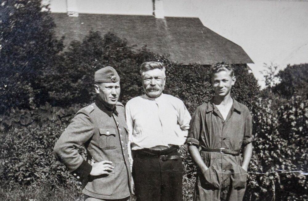 1943. aasta suvel enne Soome minekut. Vend Kaarel, isa ja Raul