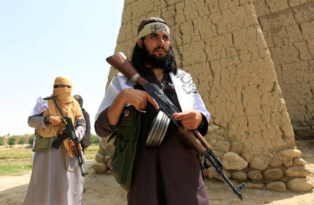 Talibani võitlejad juunikuise relvarahu ajal Nangarhari provintsis