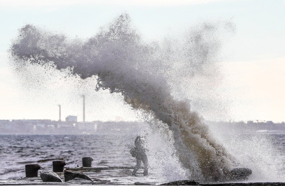 Kes tuuleristipäeva korralikult ei pea, seda karistab tugev tuul.
