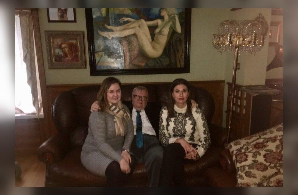 ФОТО: Эдгар Сависаар отпраздновал Рождество в компании двух прекрасных спутниц