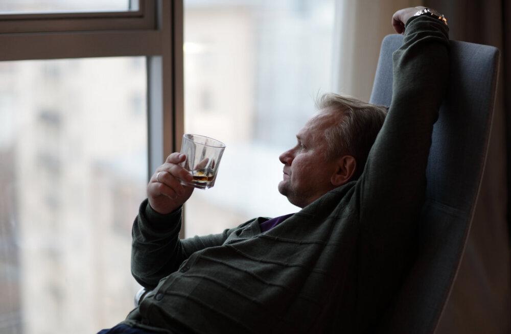 Kõik tundub nii mõttetu ja ajab jooma. Mida teha, kui mehe meel on must?