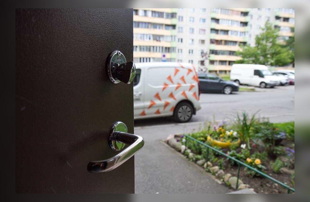 Придется раскошелиться: спасатели требуют поменять замки на дверях общего пользования