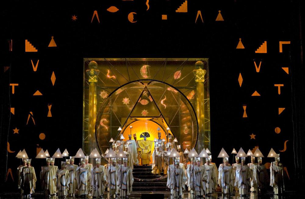 """Metropolitan Opera uus hooaeg toob kinno """"Norma"""" ja """"Tosca"""" uuslavastused"""