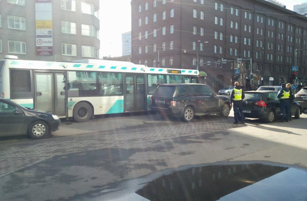 Õnnetus Narva maanteel
