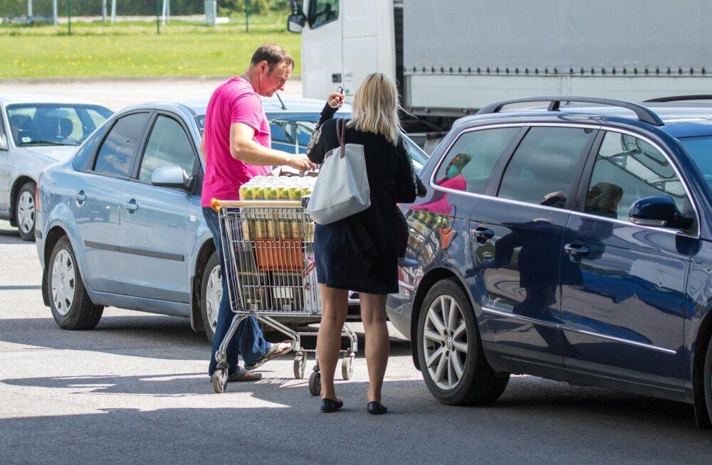 Eestlased käivad Lätis alkoholi ostmas.
