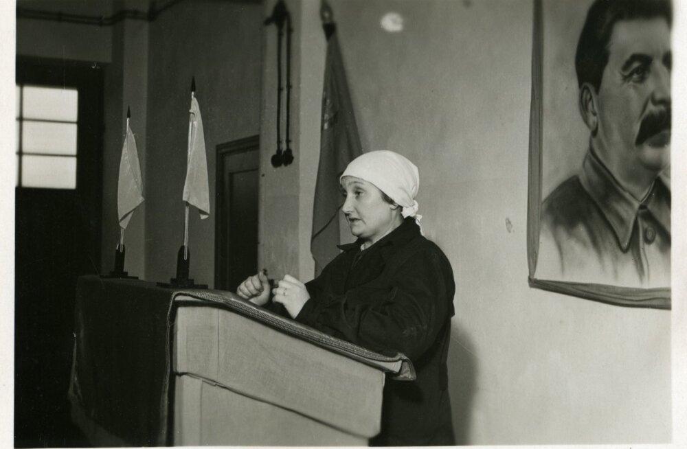 Koosolek, 1940