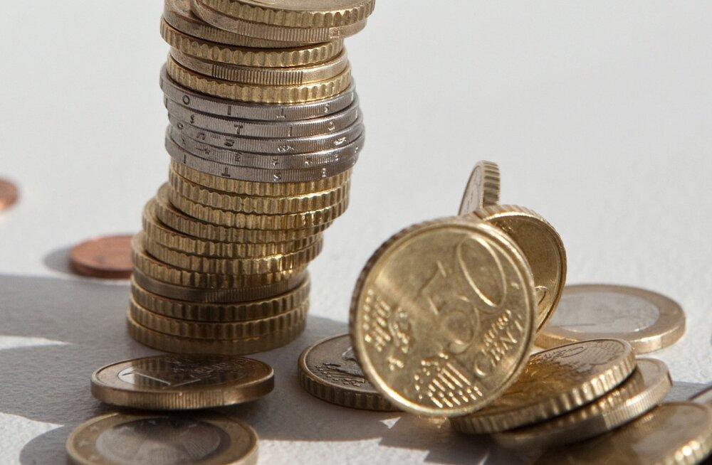 Loe, millistel tingimustel makstakse sel aastal üksiku pensionäri toetust