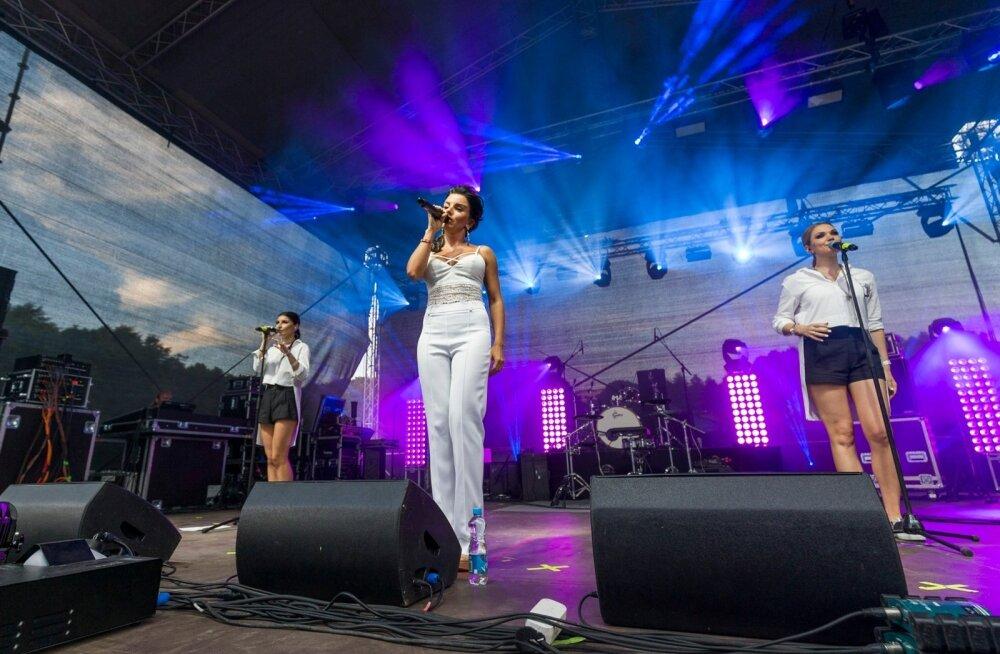 Tanzevalnaja Volna Tallinna lauluväljakul