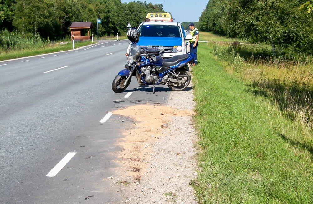Liiklusõnnetus mootorrattaga Saaremaal
