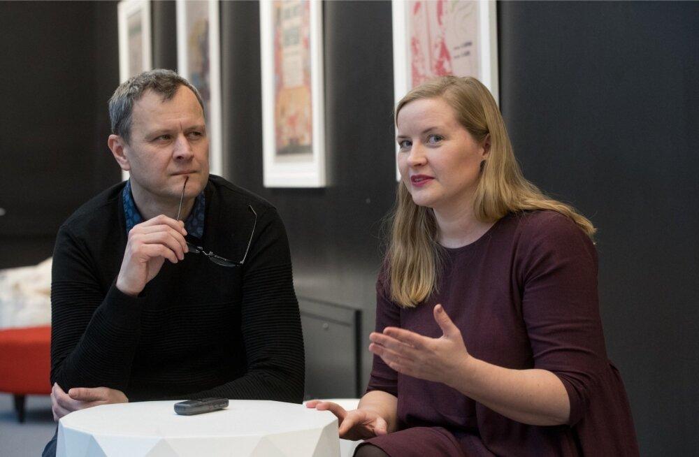 Lavastaja Leino Rei ja NUKU kirjandustoimetaja Kati Kuusemetsa kinnitusel käib teater aktiivselt kaasas noorte muutuvate harjumuste ja maailmapildiga.