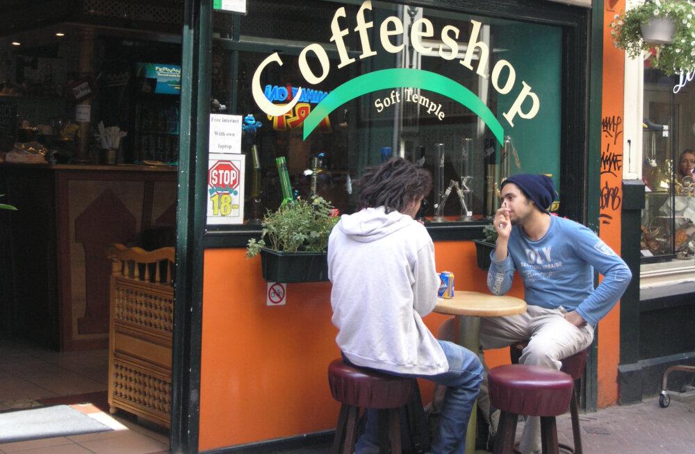 Põhjus, miks kümned Amsterdami kohvipoed üksteise järel uksi sulgevad