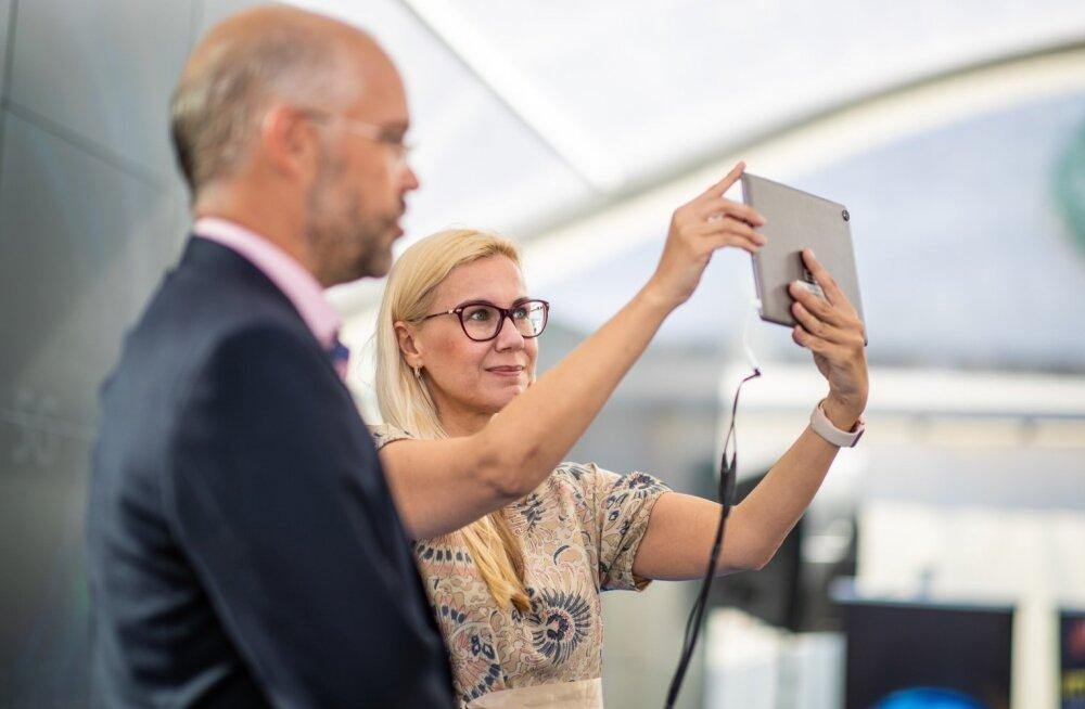 FOTOD   Tallinnas toimus täna maailma esimene rahvusvaheline 5G kõne