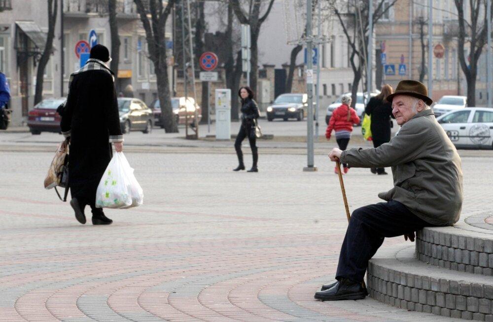 Läti jookseb elanikest tühjaks. Eeskätt lahkuvad tööealised inimesed, paigale jäävad pensionärid. Pilt on tehtud 2014. aastal Daugavpilsis.