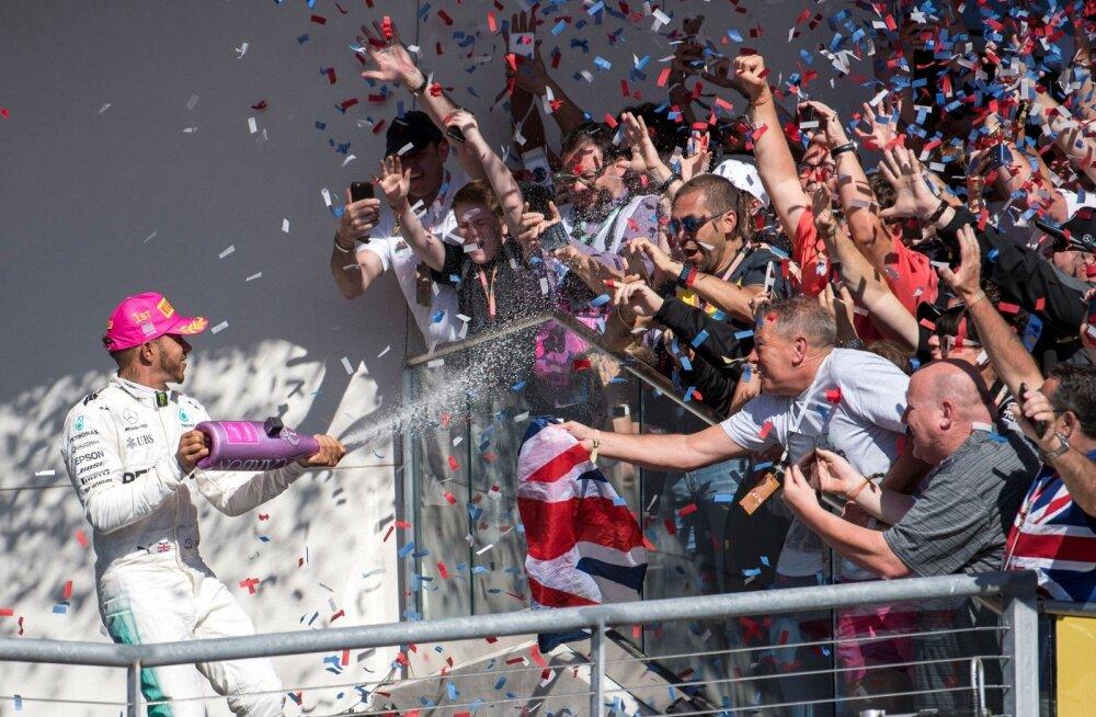 Lewis Hamiltonil on põhjust šampanjat pritsida, sest meistritiitlini on veerand kukesammu.