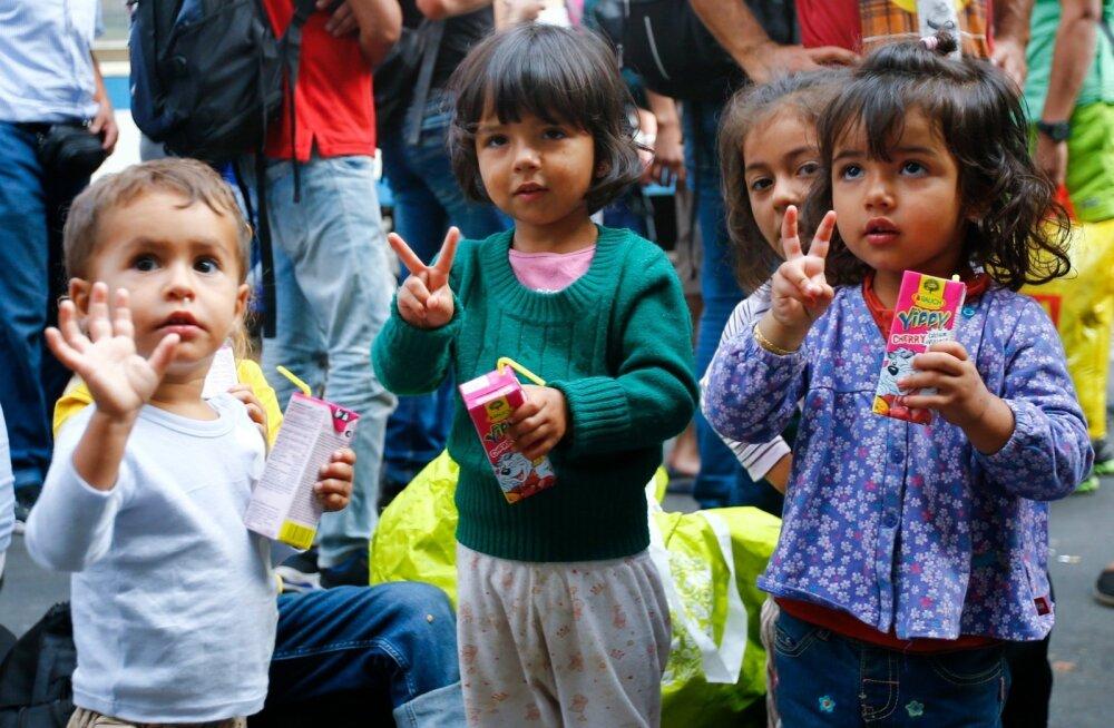 Rootsis palus augustis asüüli üle 10 000 inimese, suureneb neile tehtavate annetuste hulk