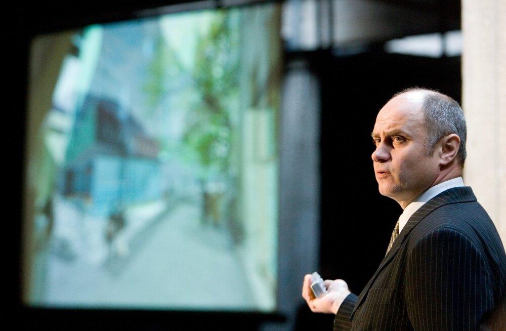 Teatrijuht Raivo Põldmaa ütleb, et teater ei soovi osaleda avalikus konfliktis, milleks neid on provotseeritud.