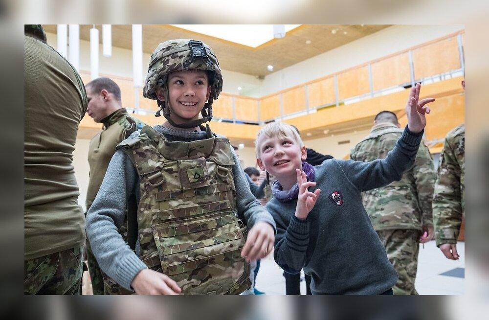 Приключения американских солдат в Ида-Вирумаа: марш-бросок в -20, общение с детьми и страх перегреться