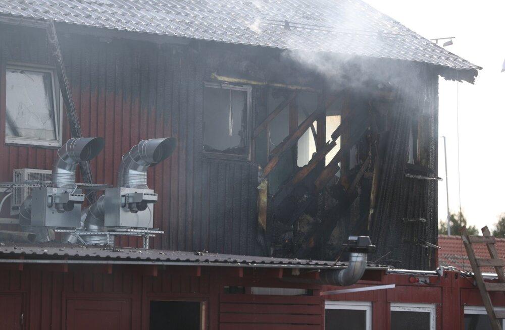 Kaberneemes asuva restorani põleng võis alguse saada süttinud prügikastist