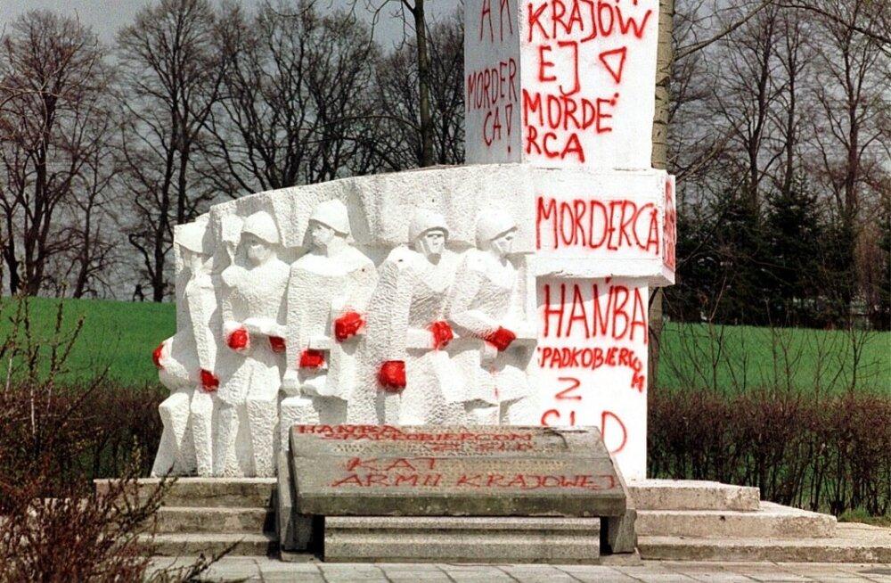 В польше снесут 500 советских памятников