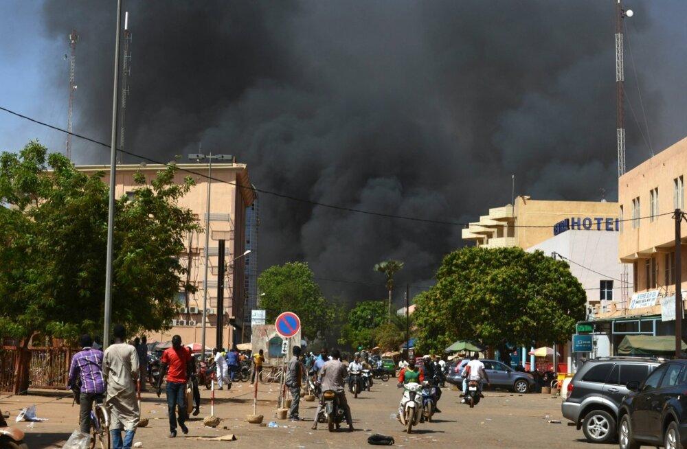 Burkina Fasos rünnati Prantsusmaa saatkonda, neli islamiäärmuslast hukkus