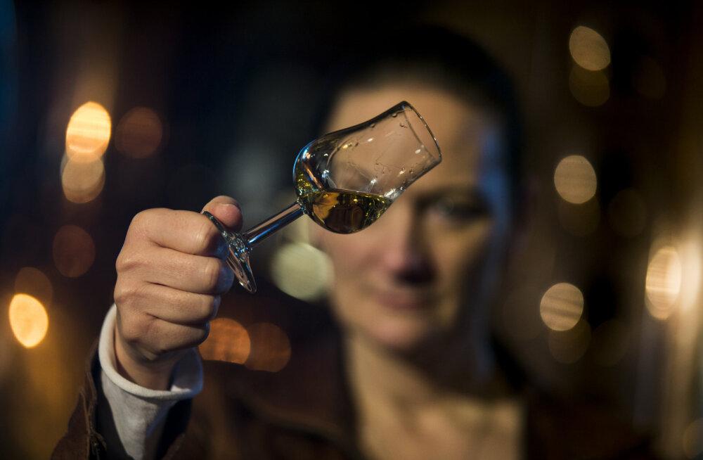 Ei mingit ajaloolist lonksu: maailma kalleim viski osutus võltsinguks