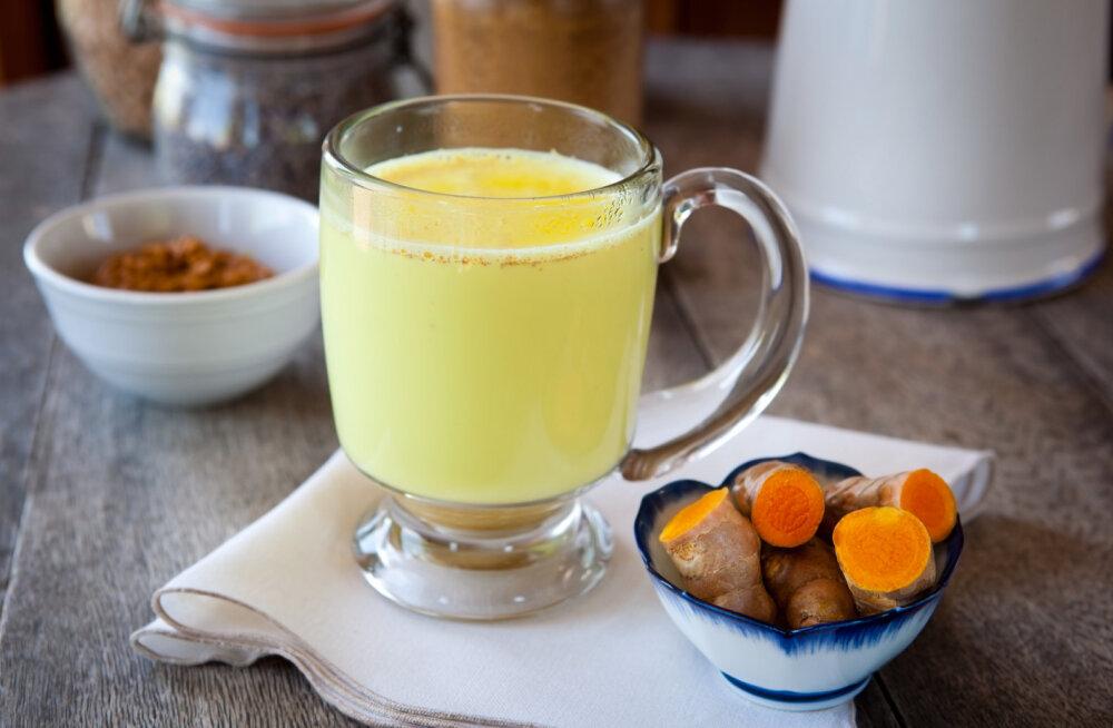 Tervendav ja vürtsikas kurkumipiim leevendab külmetushaiguste sümptomeid, stressi ja seedeprobleeme