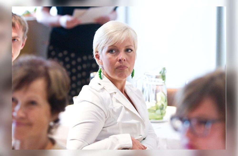 ФОТО: Эвелин Ильвес будет еще пять лет первой леди страны