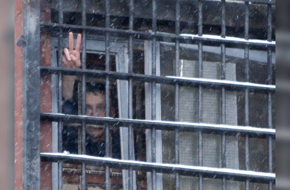 Topeltmõrvaga lõppenud röövis osalenu pääseb tingimisi vanglast