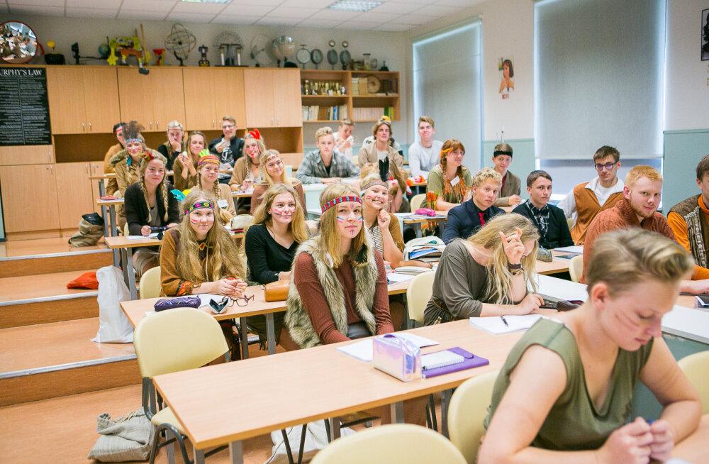 MEIE MAA | Keskkoolides luusivad taas ringi rebased