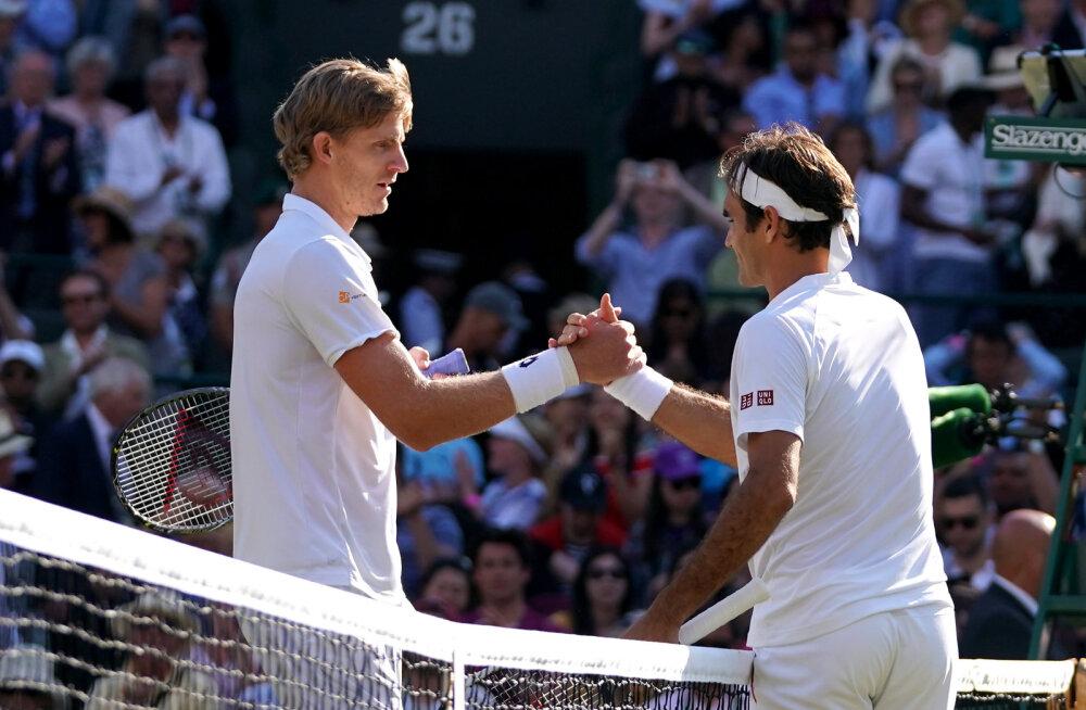 Roger Federer kordas rekordit, aga kaotas maratonmatši ja langes Wimbledonil konkurentsist