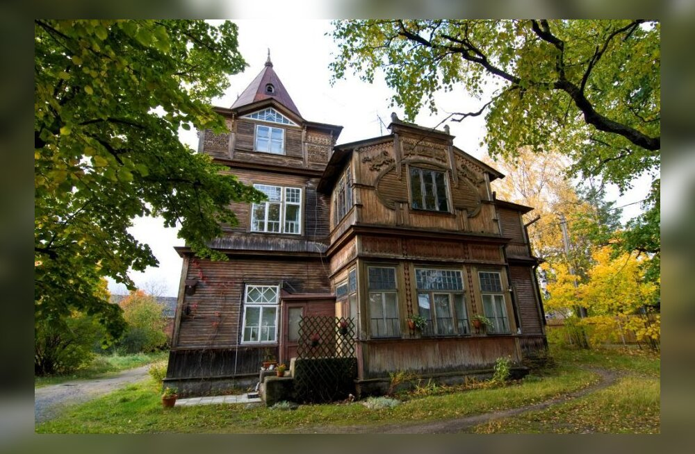Pärnu mnt 492 asuv juugendvilla on kogu Tallinna puitarhitektuuri kontekstis pretsedenditult uhke muinasjutumaja. (foto: Tauno Pääslane)