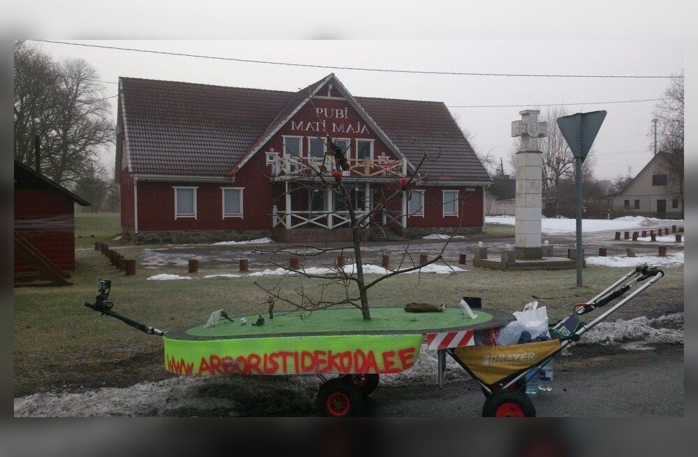 VAATA OTSE: Heiki Hanso jätkab tammele häälte toomiseks jooksmist Tallinnast Orissaarde