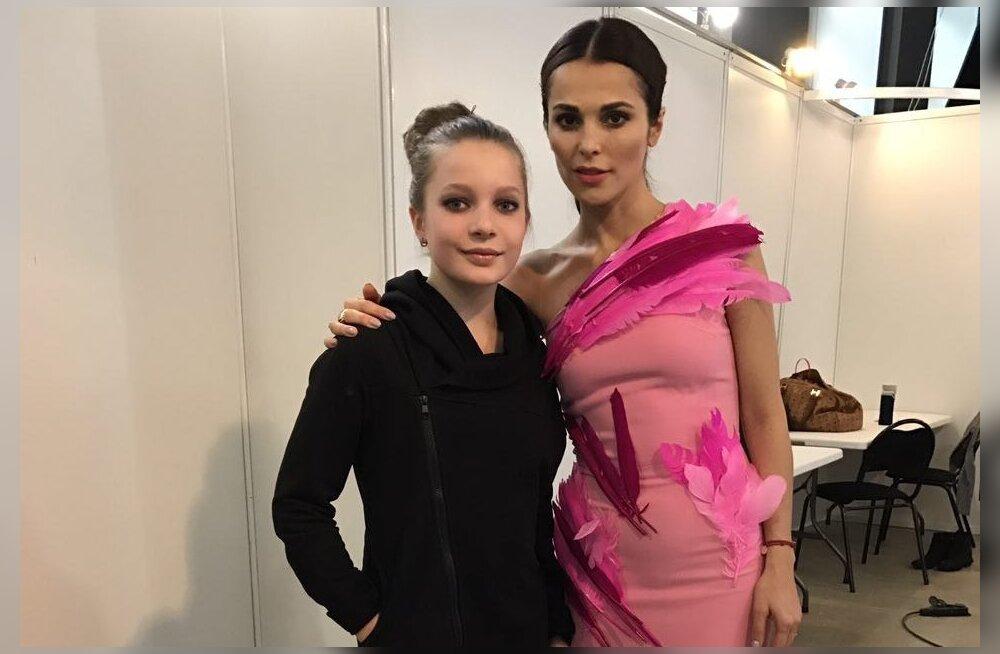 ФОТО: 11-летная эстонская модель выступила с Сати Казановой в Москве