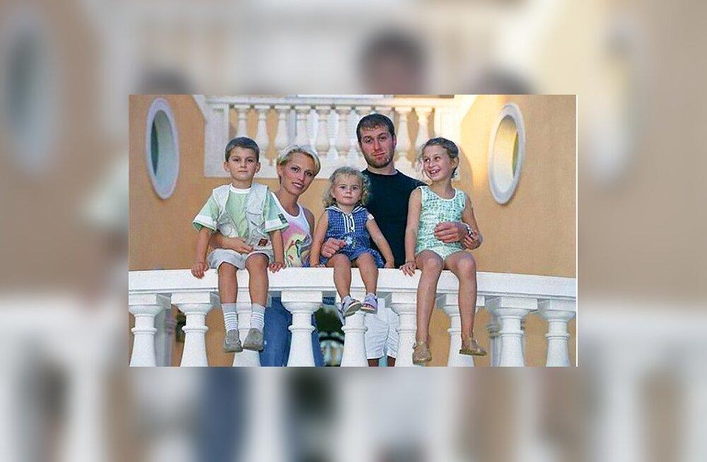 Roman Abramovitši endine naine avalikustas detaile abielust miljardäriga: see oli nagu elada kullatud puuris
