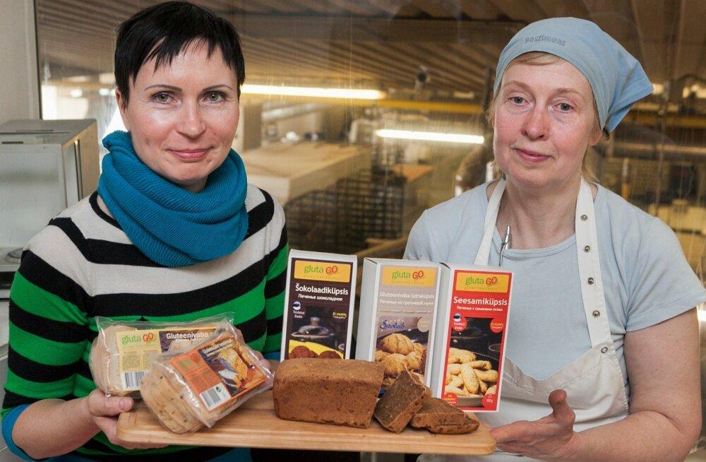 Euroleiva tehnoloogid Tea Mey ja Ene Seer väljatöötatava tatrajahust leivaga, mis täiendaks gluteenivabade saiade ja küpsiste valikut.