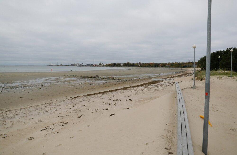 Madal veetase Stroomi rannas